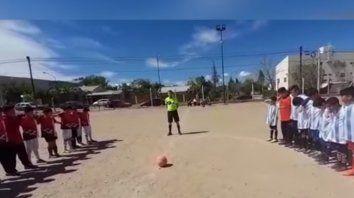 Un hombre disparó al aire y sembró el terror en un partido de fútbol infantil en Neuquén