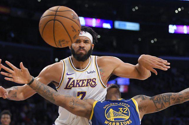 El pivot JaVale McGee (Lakers) protagonizó una polémica jugada.