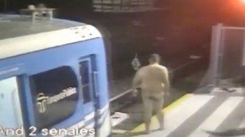 Se bajó desnudo del tren y lo apodaron Terminator