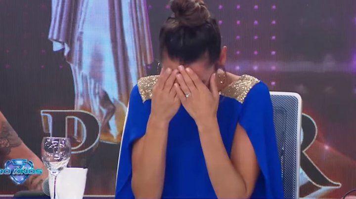 Pampita se largó a llorar en pleno programa de ShowMatch