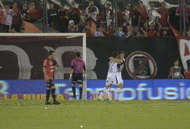 Newells hizo todo mal y fue noqueado por el Gimnasia de Maradona