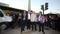 Juntos en Buenos Aires. El gobierno provincial se hizo cargo de los costos de la gira del grupo, que culminó en el Obelisco.