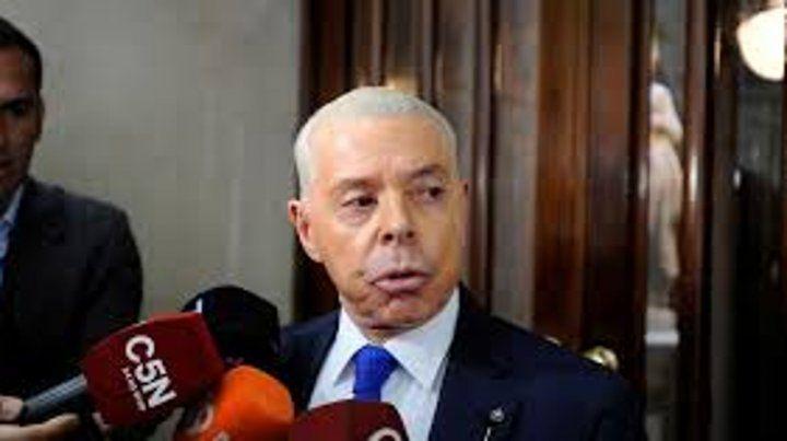 Sobreseyeron al ex juez Oyarbide en una causa derivada de los cuadernos