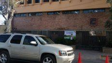 un alumno llego armado al colegio, asesino a su maestra y se suicido
