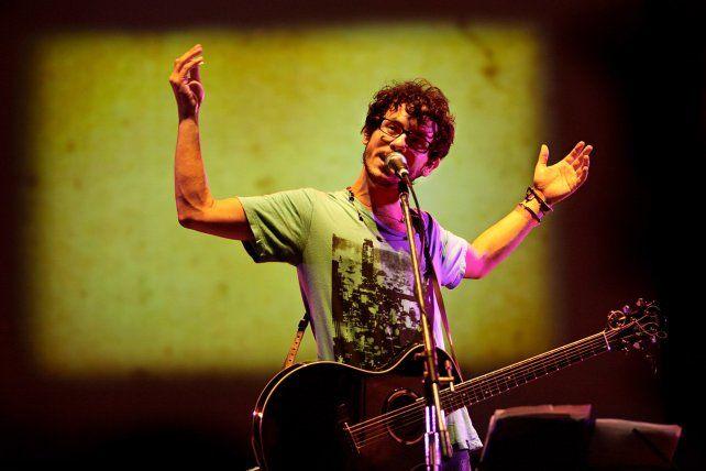 Lisandro Aristimuño actuará esta noche gratis en Santa Fe