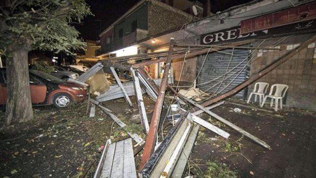Un impresionante tornado produjo dos muertos en Roma