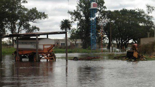 Debido a las intensas lluvias un pueblo santafesino puede desaparecer