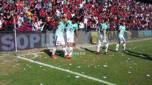 Colón cayó con Gimnasia y el sueño por llegar a la Libertadores se desmorona