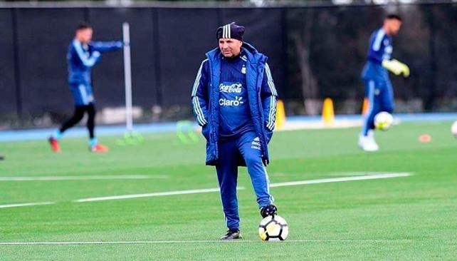 Sampaoli probó un nuevo equipo pensando en Brasil