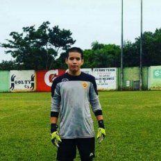 Conmoción por la muerte de un jugador de 17 años tras un pelotazo en el estómago