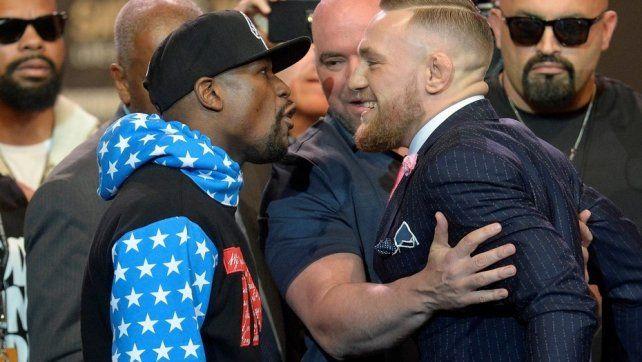 Floyd Mayweather y Conor McGregor se enfrentaron cara a cara por primera vez