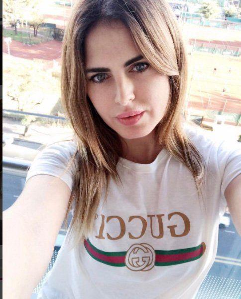 Silvina Luna seduce a sus seguidores desde la cama y provoca al Polaco
