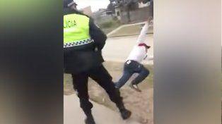 Un policía de Tucumán le dio una trompada a un joven que lo desafió