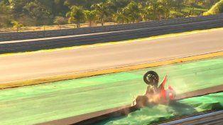 Perdió el control de su moto y falleció tras golpear contra el muro de protección