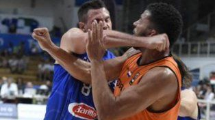 Un jugador de la NBA se hizo el guapo, le pegó a un rival y se fracturó la mano