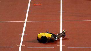 Triste final para Usain Bolt: se lesionó y no pudo terminar su última carrera