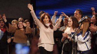 Cristina dijo que ganó y que el recuento fue un bochorno