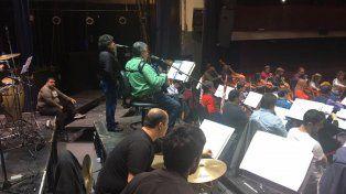 La suavecita: imperdible versión de Los Palmeras con la Filarmónica de Santa Fe