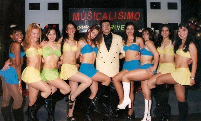 Archivo. Con las clásicas bailarinas que acompañaron el programa en los 90.