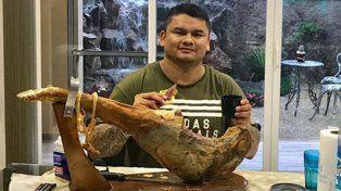 El Chino Maidana pasa sus días entre amigos, familiares y placeres culinarios