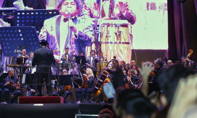 Mix inigualable. La legendaria agrupación cumbiera con los músicos dirigidos por Carughi