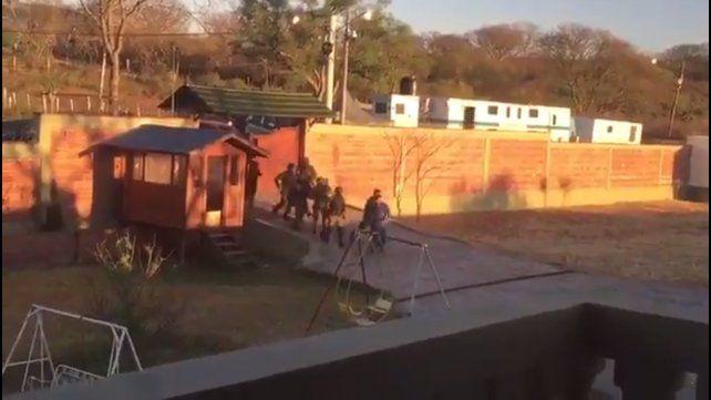 Mirá cómo ingresaban las fuerzas especiales a detener a Milagros Salas