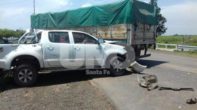Murió el conductor de una camioneta que chocó un acoplado que se le desprendió a un camión