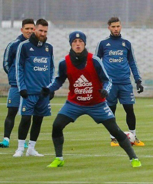La foto del día: el entrerriano Chancalay entrenando con Leo Messi en Rusia