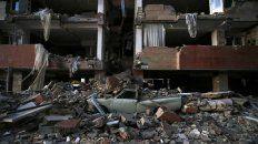 un terremoto sacudio la frontera entre irak e iran y dejo mas de 300 muertos