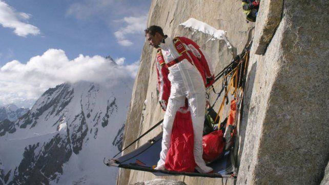 Murió el saltador ruso Valery Rozov al tirarse en el Himalaya