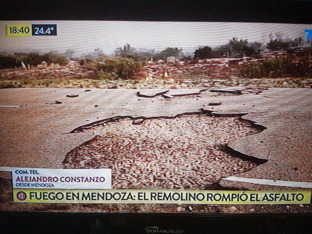 Un remolino de aire y fuego rompió la ruta 146 en Mendoza
