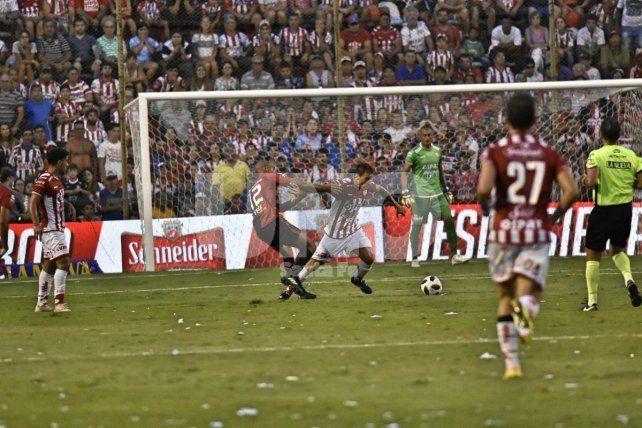 Unión y Colón repartieron puntos en el 15 de Abril