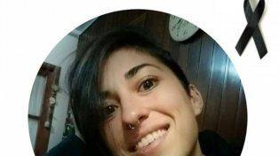 La imagen de la joven posteada por un gimnasio de la ciudad.