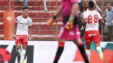 argentinos derroto a newells y entro en zona de copa sudamericana
