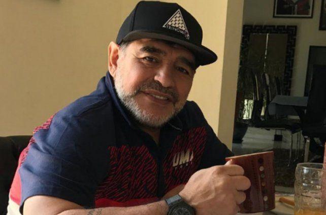Maradona le agradeció a Totti y saludó a Francisco