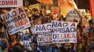 Máxima tensión en Brasil: se negocia la entrega de Lula a la Policía Federal
