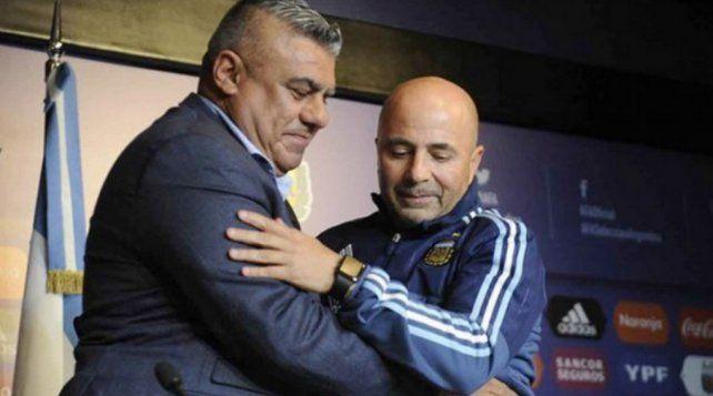 Cómo pretende Jorge Sampaoli aferrarse a su cargo en la Selección