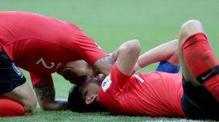 Son se coronó campeón con Corea del Sur y festejó por partida doble