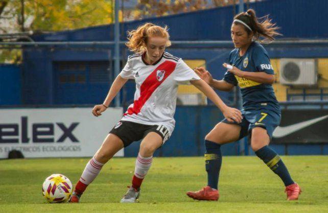 Se juega el primer Superclásico de fútbol femenino profesional