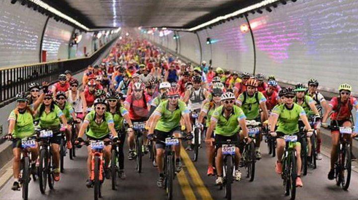Se viene el Cruce del Túnel Subfluvial en bicicleta