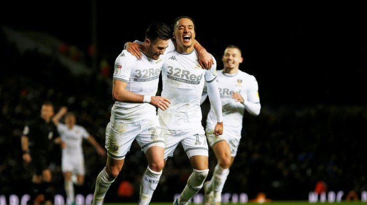 El Leeds de Bielsa goleó y saltó a la punta de la Championship League