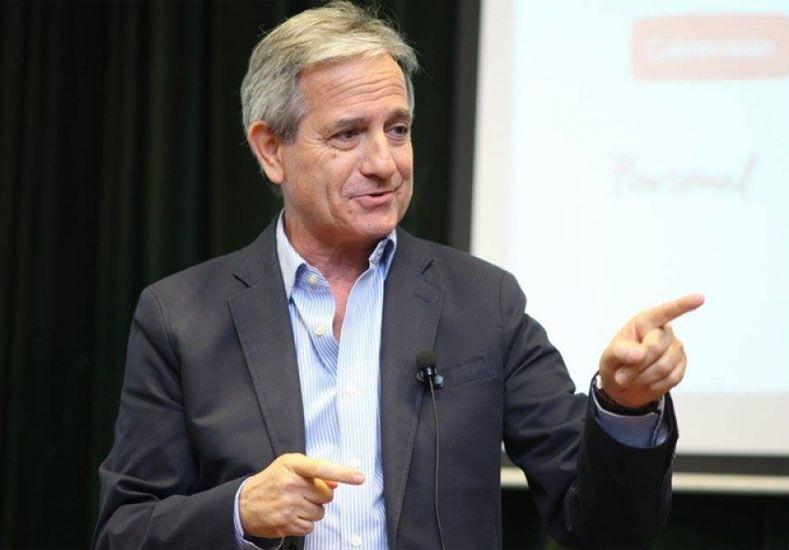 Andrés Ibarra.