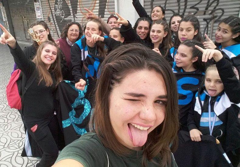 La selfie. Las chicas no solo fueron a competir sino que además se divirtieron en la zona sur del Gran Buenos Aires.