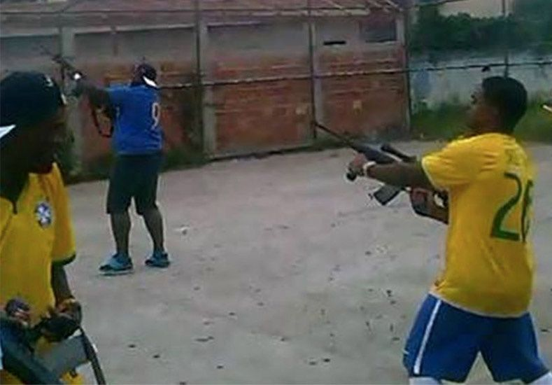 Increíble video: el equipo hizo un gol y la hinchada festejó con una balacera