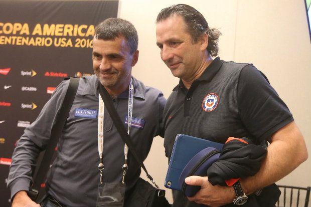 Cortaron a periodista por sacarse una selfie con Juan Antonio Pizzi