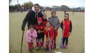 Las Pingüis. Atlético Neuquén fue otro de los clubes que tomó parte de la actividad para las más chicas.