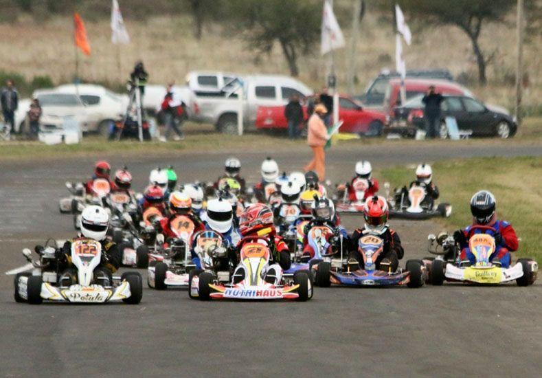 El certamen presentó un gran marco de pilotos que visitaron por primera vez en el año a Villaguay.