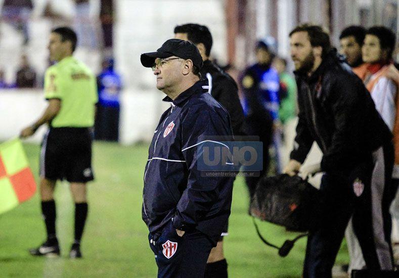 Cervilla dejó de ser el técnico de Atlético Paraná