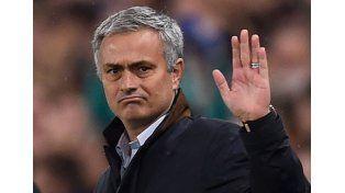 Mourinho quiere a Messi en el Manchester United