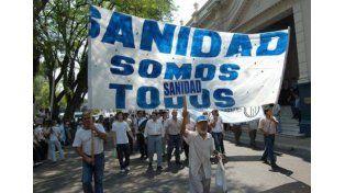 Aumento salarial del 35% para personal de clínicas y sanatorios